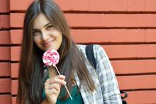 Beautiful Girl Has Fun And Lic...