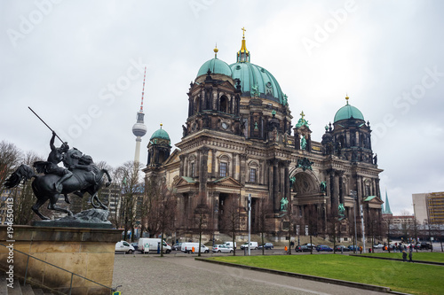 Photo  Beautiful view of historic Berlin Cathedral (Berliner Dom) at famous Museumsinse