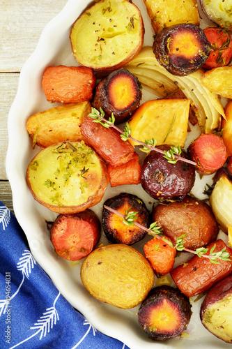 Fototapeta Roasted root vegetables obraz