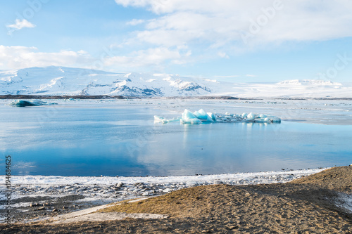 Poster Glaciers jokulsarlon glacier on sunny day, iceland