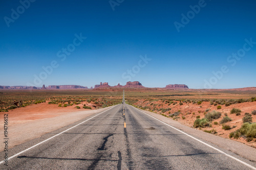 Fotobehang Route 66 Monument Valley on the border between Arizona and Utah in United States