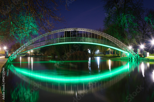 Photo Bedford foot Bridge at night
