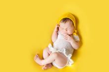 Lovely Sleeping Newborn Baby G...