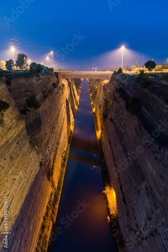 Foto op Canvas Kanaal Corinth canal by night