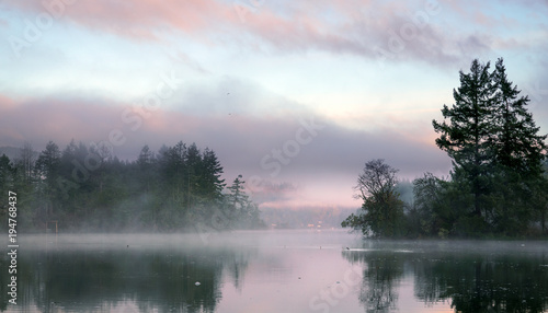 wczesnie-rano-mgla-nad-zatoka