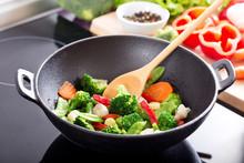 Cooking Stir Fried Vegetables ...