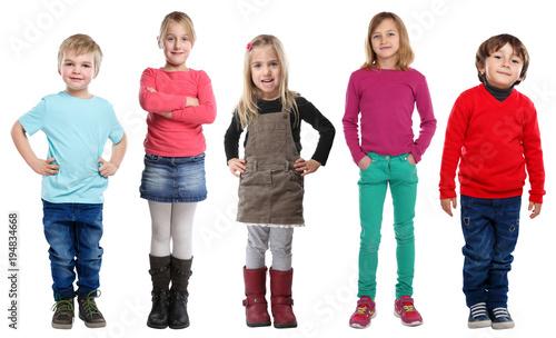 Photo Gruppe Kinder kleine Junge Mädchen Ganzkörper Portrait Porträt isoliert Freistel