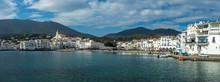 Long Panorama Sur Un Village T...