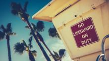 Retro Style Californian Lifegu...