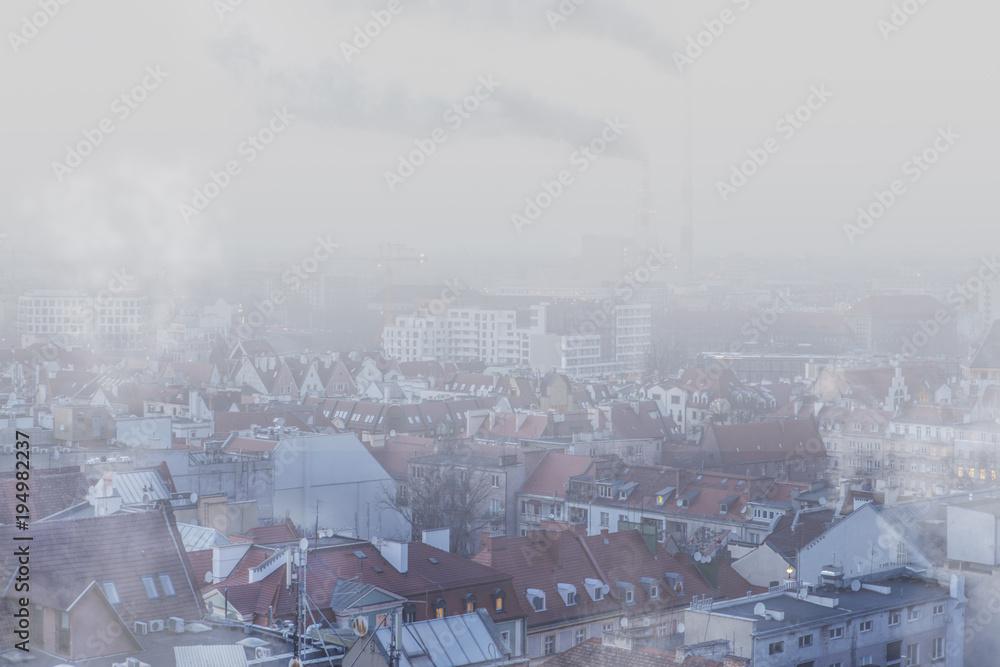 Fototapeta Smog nad miastem - Wrocław, zimowy widok na panoramę miasta