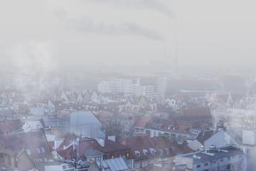 Smog nad miastem - Wrocław, zimowy widok na panoramę miasta