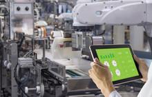 Industry 4.0 Robot Concept .En...