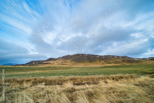 Tuinposter Purper Mountain in Iceland