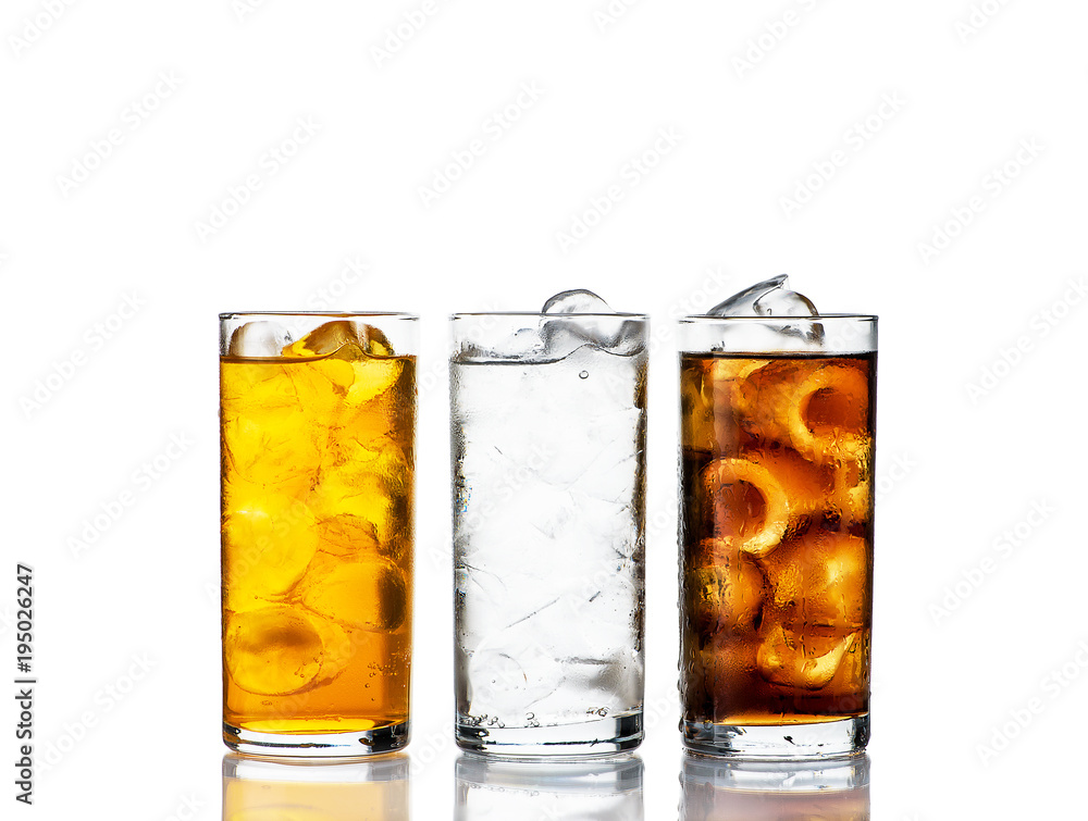 Fototapeta three drinks with ice in a range on a white background
