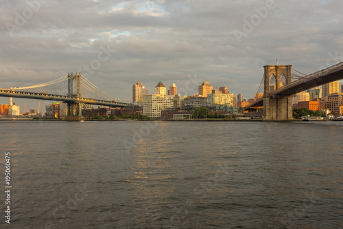 Poster London Sunset view of Manhattan Bridge and Brooklyn Bridge, New York