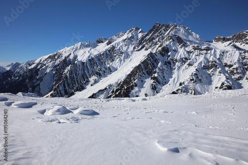 Fotobehang Wintersporten Landscape at Ski Resort in Arlberg Mountains. Austria