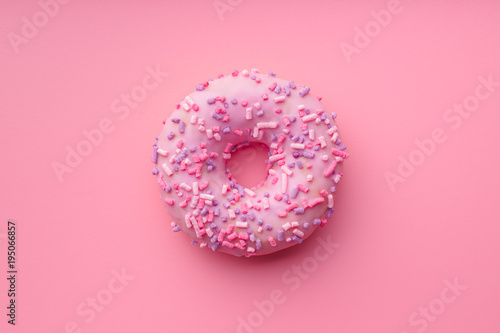 Photo  Pink sweet donut.