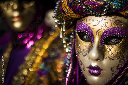 Fototapeta Violet Venice Mask obraz