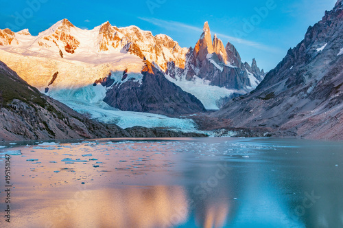 Tuinposter Bergen Amazing sunrise view of Cerro Torre mountain by the lake. Los Glaciares National park. Argentina.
