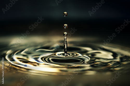 Fotografie, Obraz  Water drops on the water
