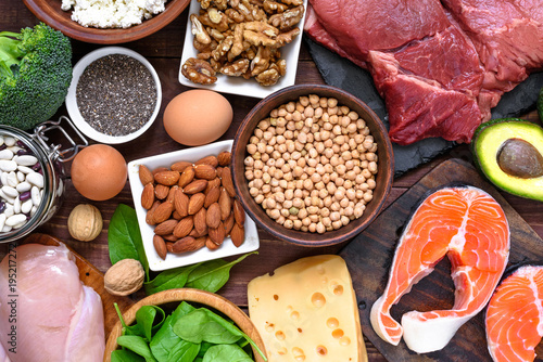 Fotografia High protein food - fish, meat, poultry, nuts, eggs and vegetables
