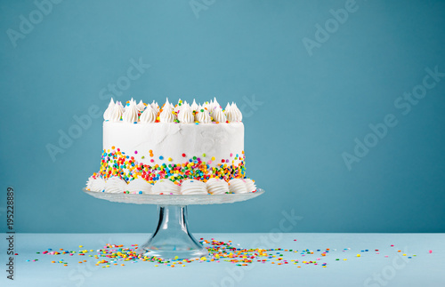 Birthday Cake with Sprinkles Fotobehang