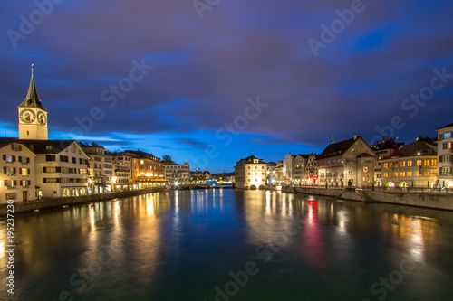 Tuinposter Singapore Zurich Limmat river at night