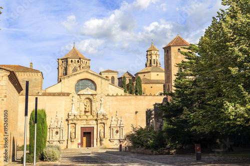 Tuinposter Oude gebouw Poblet Monastery, in Catalonia Spain