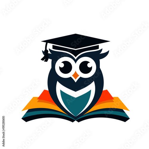 Keuken foto achterwand Uilen cartoon Owl Logo Stock Images