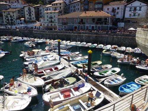 Elantxobe pueblo español situado en la costa nordeste de la provincia de Vizcaya, cerca de Bilbao, en la comunidad autónoma del País Vasco (España)