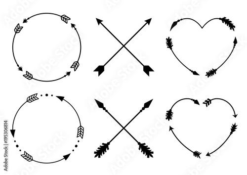 In de dag Boho Stijl Circle and heart arrow frames for monograms. Criss cross hipster arrows. Arrows in boho style. Tribal arrows set. Vector