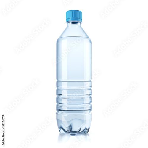 Fotografía  Plastic bottle with water