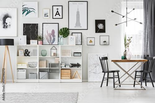 Staande foto Hoogte schaal Shelf in dining room