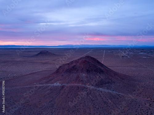 Foto op Aluminium Aubergine Desert Sunrise