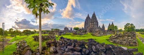 Foto op Plexiglas Bedehuis Mysterious temple complex Prambanan, Indonesia