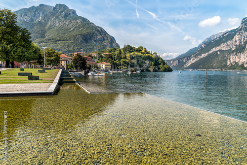 Foto auf AluDibond Stadt am Wasser Lakefront of Malgrate located on the shores of Como Lake in the province of Lecco, Italy