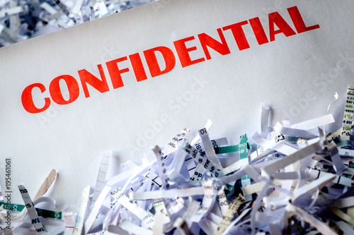 Fotografía  Confidential shredding 4