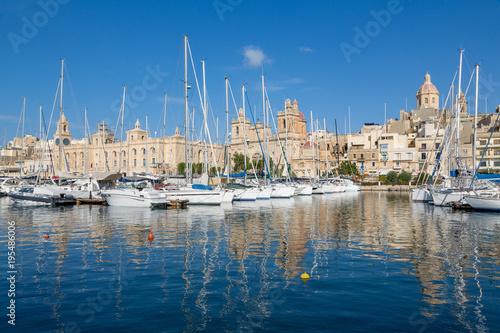 Foto op Plexiglas Mediterraans Europa Boats moored in Grand Harbour marina at Birgu, Valletta, Malta, Mediterranean, Europe