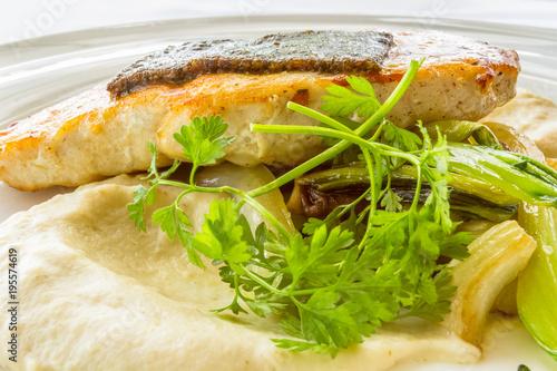 Fotografie, Obraz  pavé de marlin, mousseline et légumes sautés