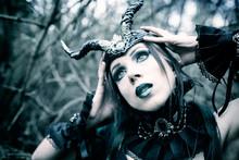 Piękna Czarownica, Fioletowa Kraina Fantasy