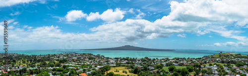 Photo Rangitoto island panoramic view from Mount Victoria in Auckland, New Zealand