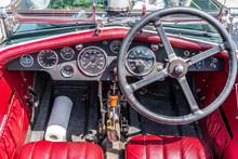 Cockpit Eines Englischen Oldti...