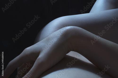 body detail in the dark