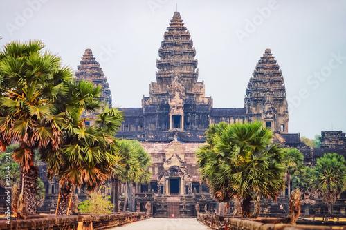 Fototapeta premium Kompleks świątynny Angkor Wat Siem Reap