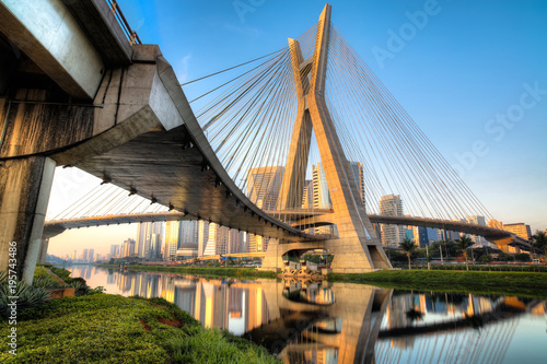 Photo sur Toile Ponts Estaiada Bridge - Sao Paulo - Brazil