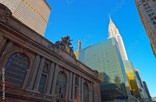 Платно Street view of the Entrance Grand Central Terminal Building USA