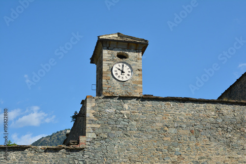 Foto  Fenestrelle Fort in Piedmont, Italy. Clock Tower.