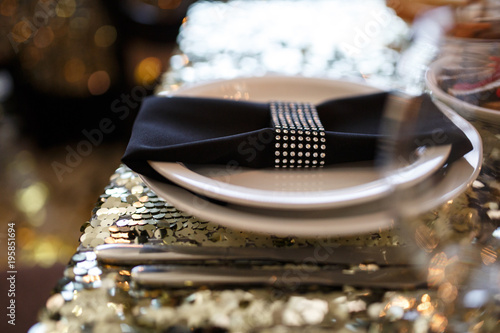 Valokuvatapetti Beautiful decoration of a luxurious wedding banquet in a retro style restaurant