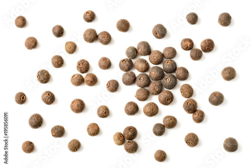 Fototapeta dried pimento berries isolated on white background, top view obraz