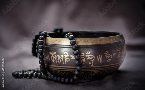 Fotografia  tibetan singing bowl